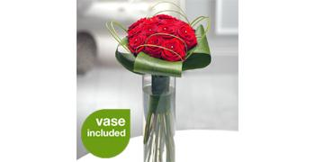 Dozen best Red Roses in Glass Vase